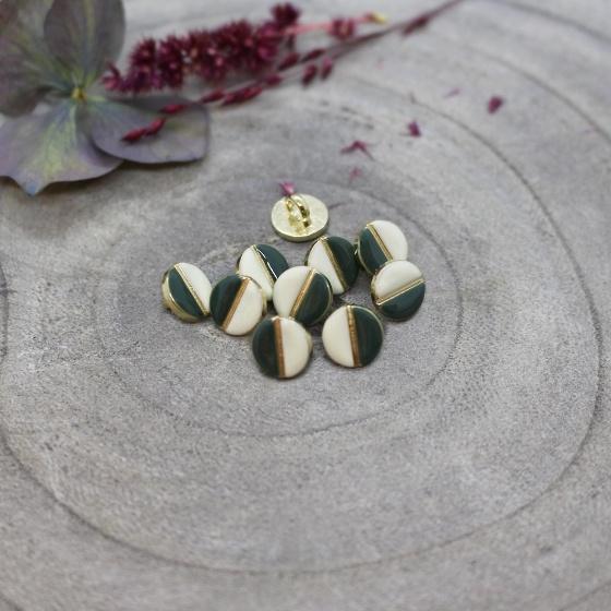 Wink Button Off White – ATELIER BRUNETTE